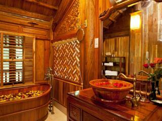 Ancient Deluxe Bathroom