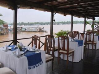 Dining Deck - Le Jarai