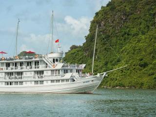 Paradise Luxury Vessel